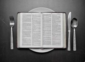 bible-on-plate