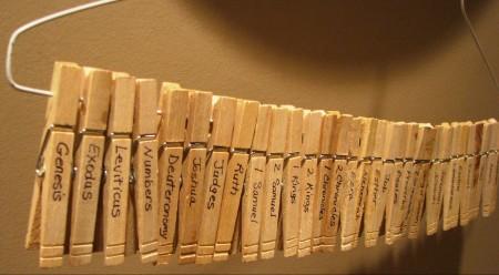 bible-books-clothespins-e1421080524537