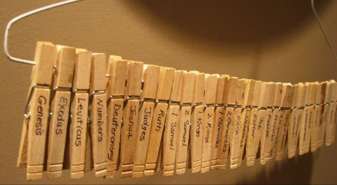 bible-books-clothespins-e1421080524537